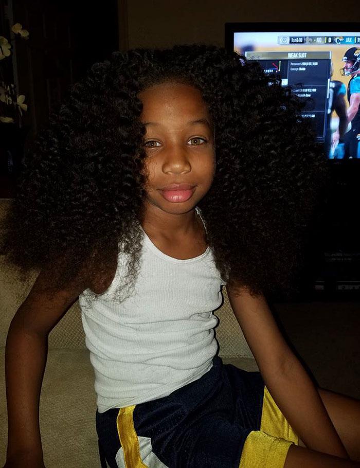 Мальчик отращивал волосы