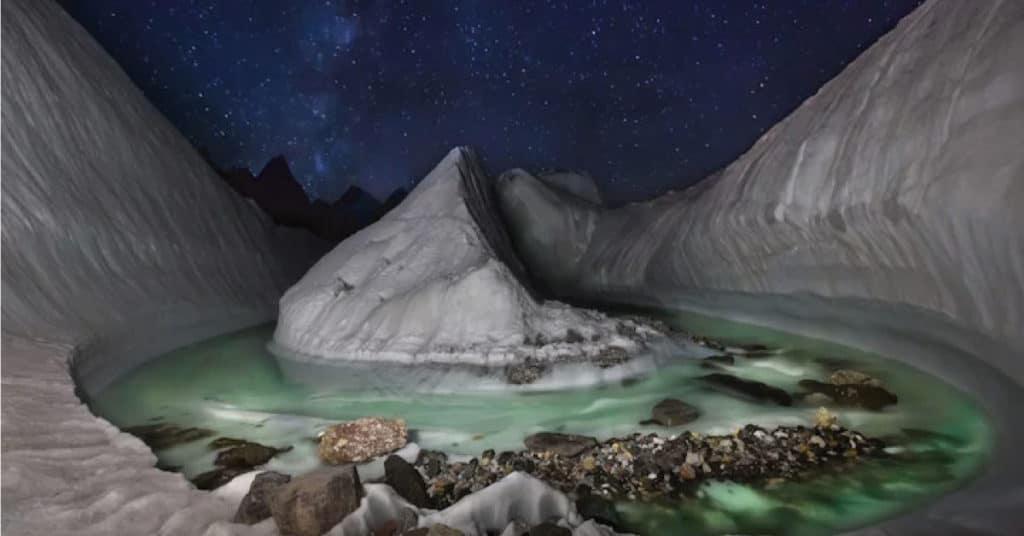Drone descobre uma bela geleira escondida no Himalaia